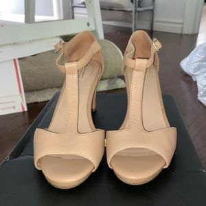 Giani Bernini Memory Foam Beige Heels